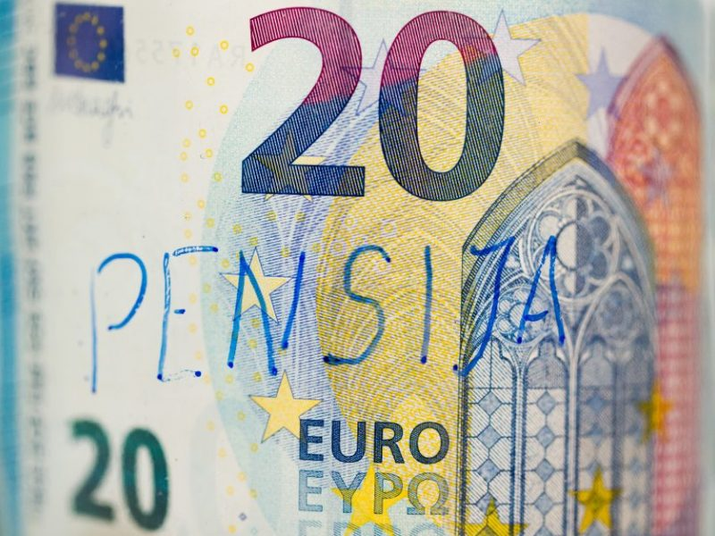 Ministerijos atstovė: bazinė pensija kol kas papildomai neindeksuojama
