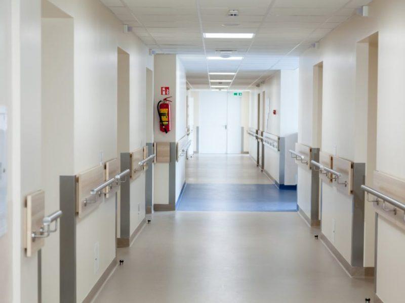 Marijampolės ligoninėje – girtas berniukas: paauglys apsinuodijo alkoholiu