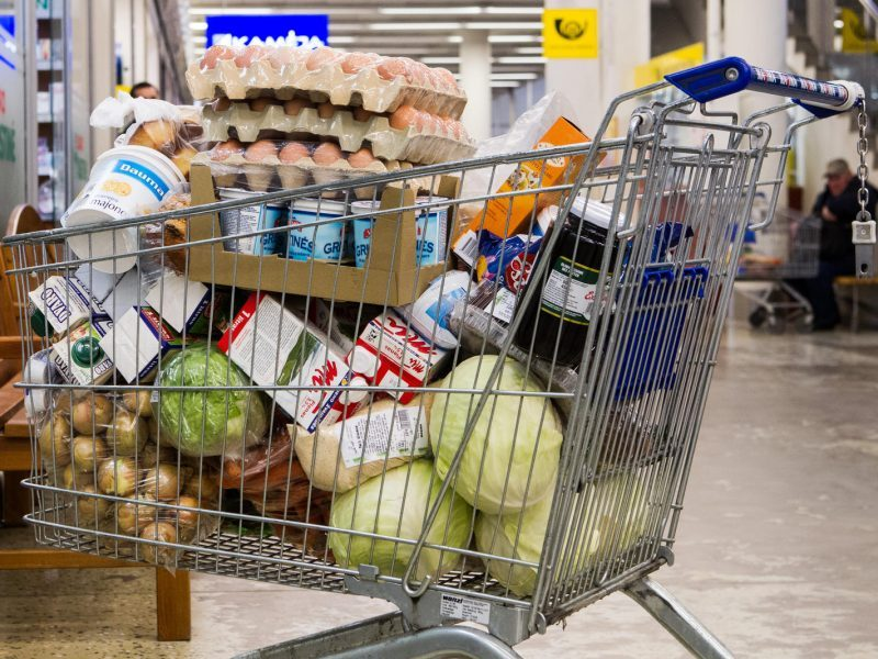 Pramonininkai dėl PVM tarifo: būtų galima sumažinti bent maisto produktams