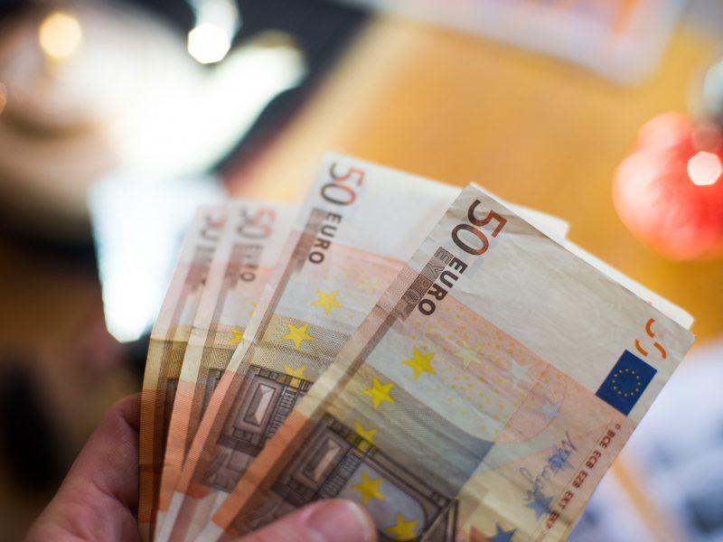 Iš Latvijos vykęs Lietuvos pilietis nedeklaravo per 94 tūkst. eurų