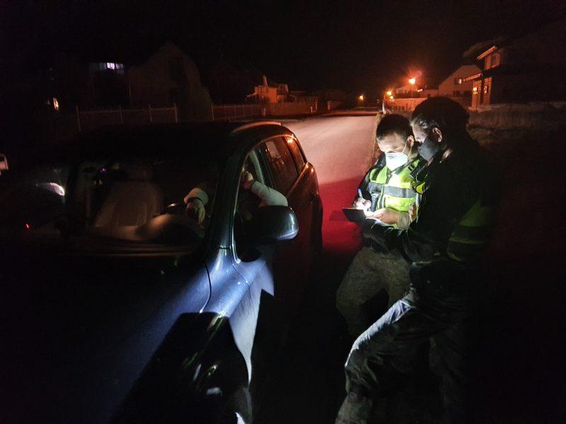 Klaipėdoje – vagių teroras: automobiliai išardomi tiesiai po šeimininkų langais