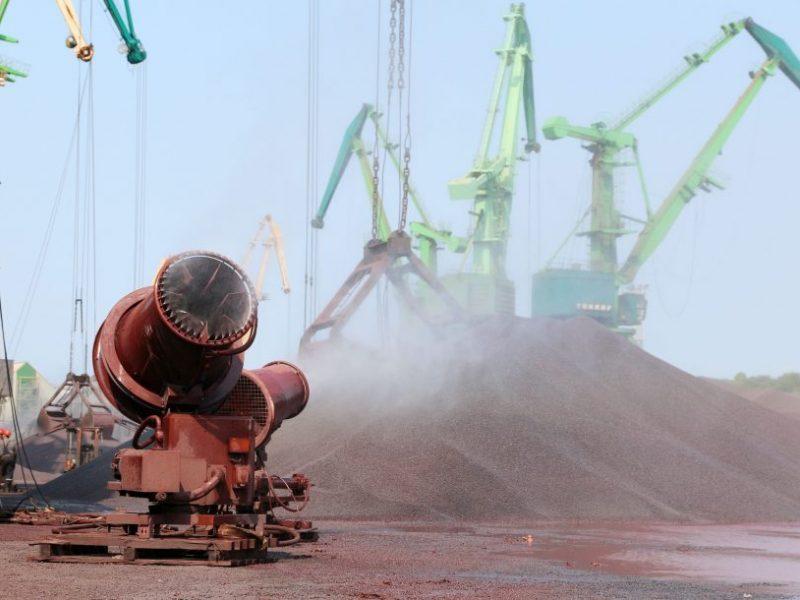 Naujausi duomenys rodo: mažiausias kietųjų dalelių kiekis ore išlieka prie uosto įmonių