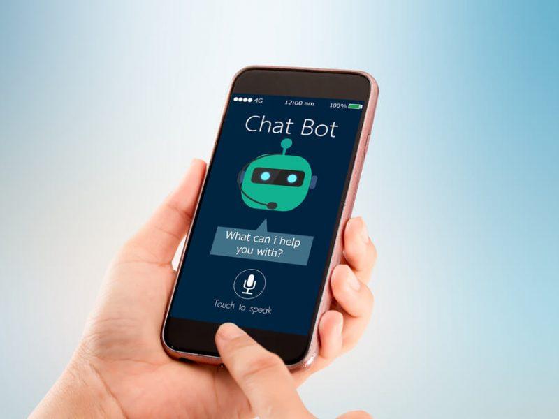 """Pokalbių robotai užkariauja """"Facebook"""": kuriuos verta išbandyti?"""