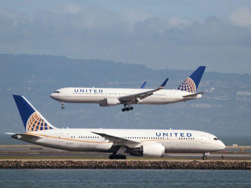 """Dėl dūmų kabinoje teko nusileisti laineriui """"Boeing 787"""""""