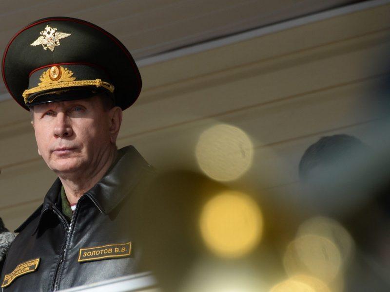 Rusijos nacionalinės gvardijos vadas ėmėsi grasinti: kviečia A. Navalną į dvikovą