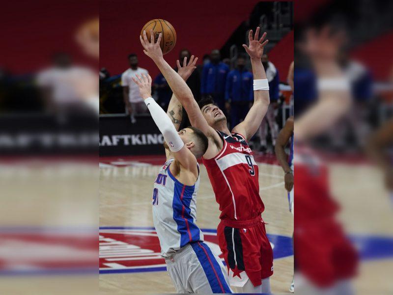 D. Sirvydis žaidė ilgiausiai karjeroje NBA ir pataikė dar vieną tritaškį