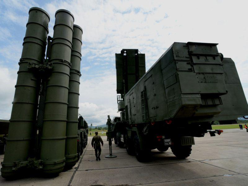 Kaliningrado srityje oro erdvės gynybos sistemos S-400 pradėjo kovinį budėjimą