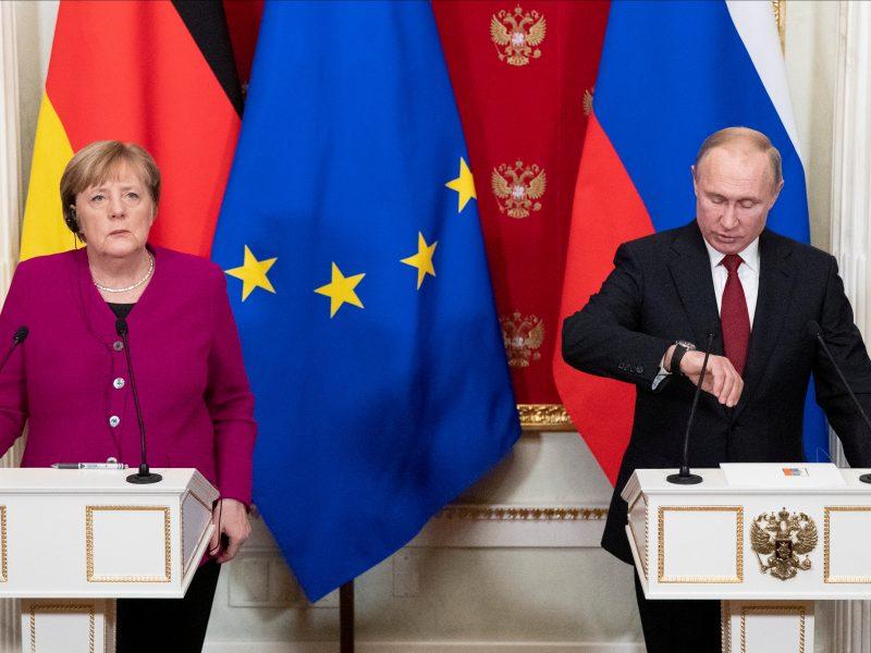 Kremlius: V. Putinas ir A. Merkel susirūpinę dėl įtampos Rytų Ukrainoje