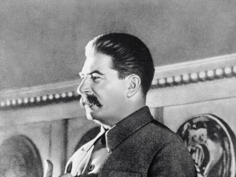 """Rusijos """"Memorial"""" abejoja kasinėjimų numanomų stalinizmo aukų kapinyne teisėtumu"""