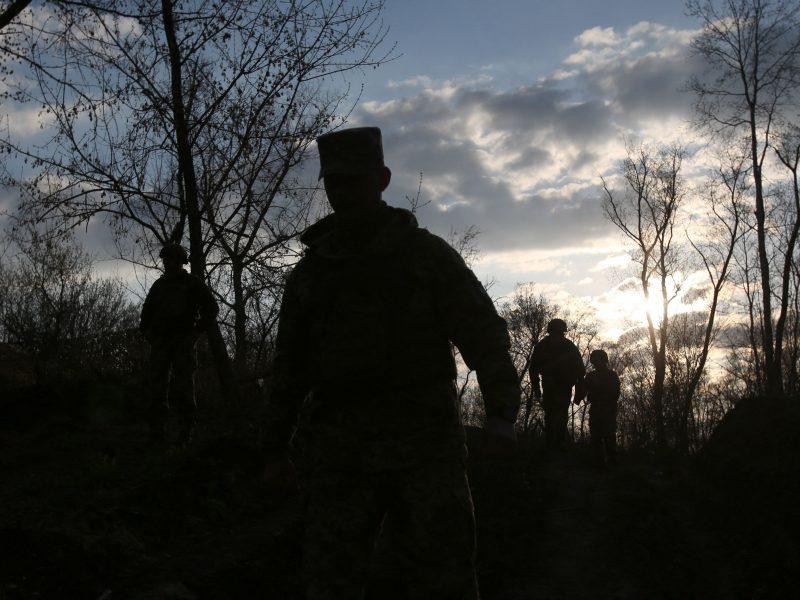 Ukraina sveikina sprendimą atitraukti Rusijos karius nuo sienos