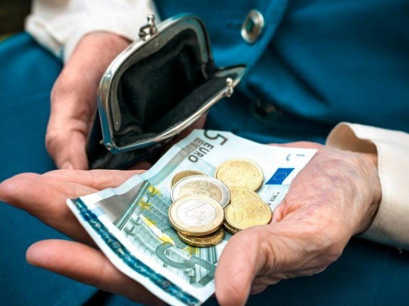 Nusprendė: pensijas ir toliau galės nešioti ne tik Lietuvos paštas