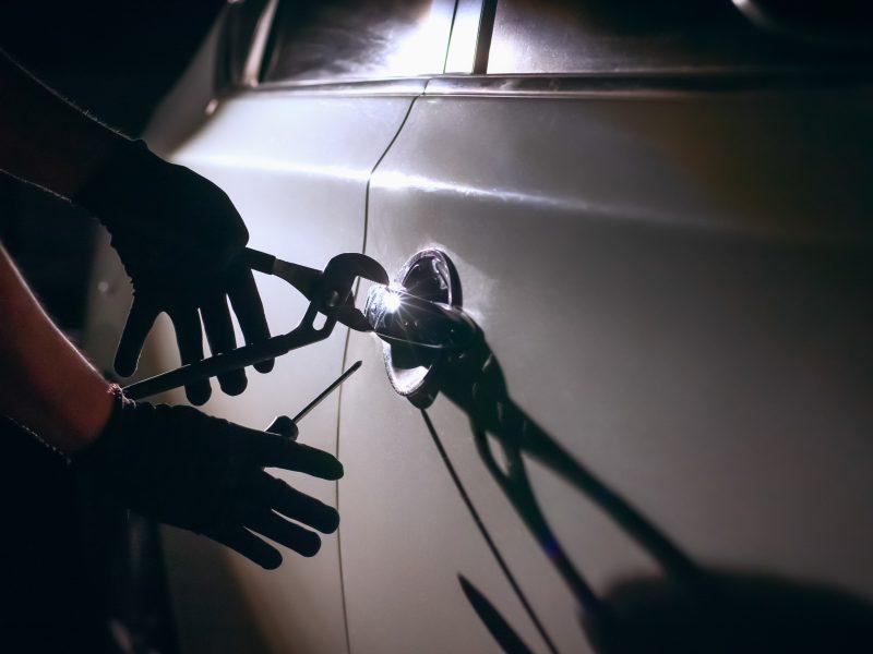 Marijampolėje rasti, įtariama, vogti automobilių kėbulai