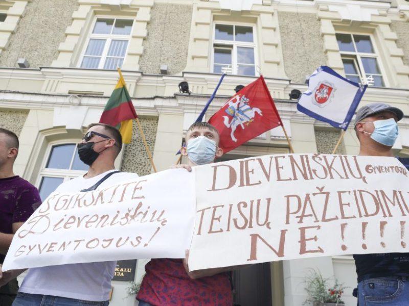 Ministerijai kol kas nepavyksta įtikinti Dieveniškių gyventojų dėl nelegalių migrantų apgyvendinimo
