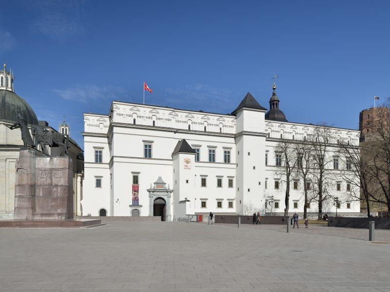 Valdovų rūmų muziejus kviečia į išskirtines ekskursijas ir edukacinius užsiėmimus