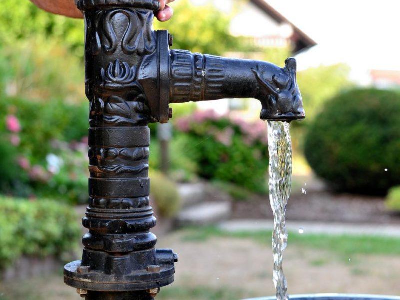 Šri Lankoje daugiau kaip pusei milijono žmonių dėl sausros trūksta geriamojo vandens