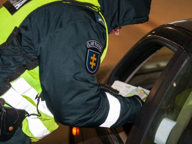 Naktį Kauno pareigūnams įkliuvo girtas vairuotojas: įpūtė virš dviejų promilių