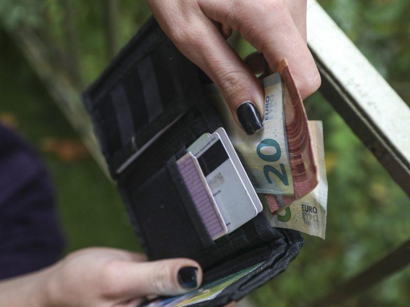 Pritarta neatsisakyti makroekonominių rodiklių vertinimo indeksuojant pensijas