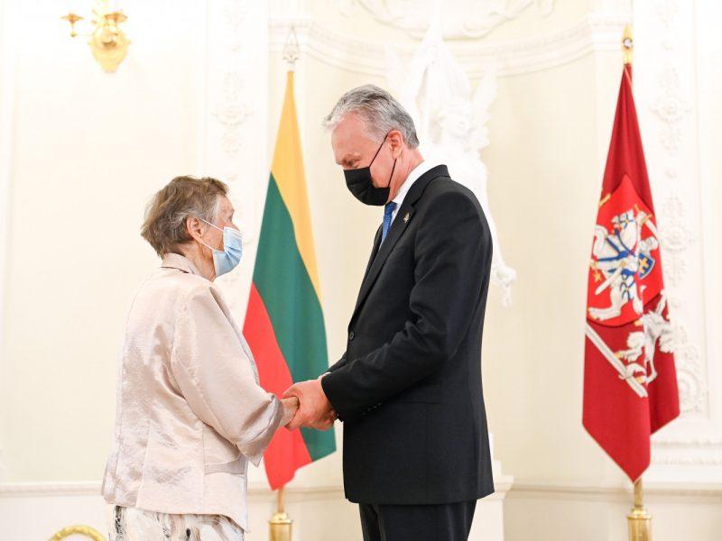 Prezidentas apdovanojo žydų gelbėtojus
