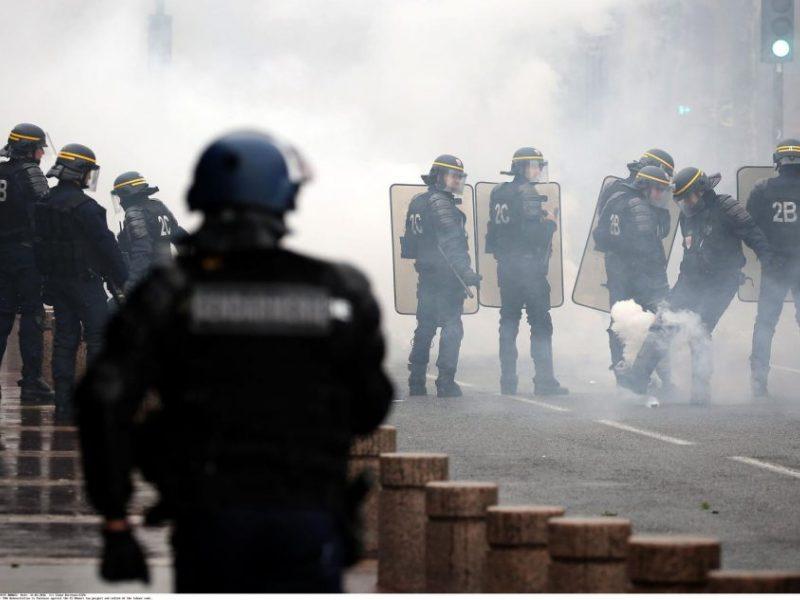 Paryžius pasmerkė Alžyro futbolo rinktinės sirgalių surengtas riaušes