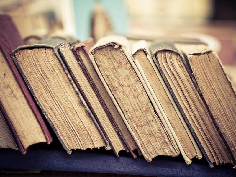 Knygos mokė, kaip gaminti maistą ir teisingai numirti