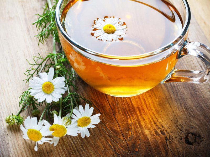 Žolininkė: gerti atvežtinių arbatų – nevalia