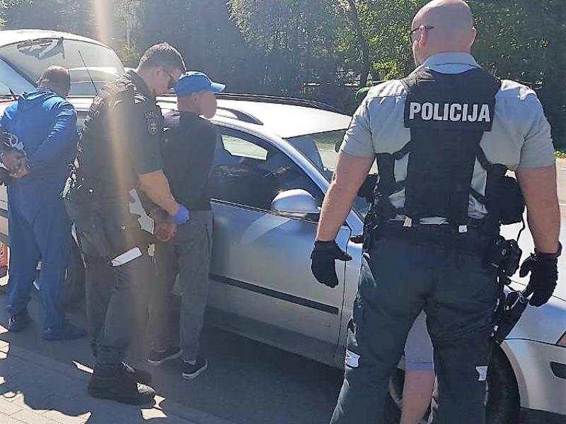 Policijos laimikis – kanapių siunta iš Ispanijos ir jos organizatorius
