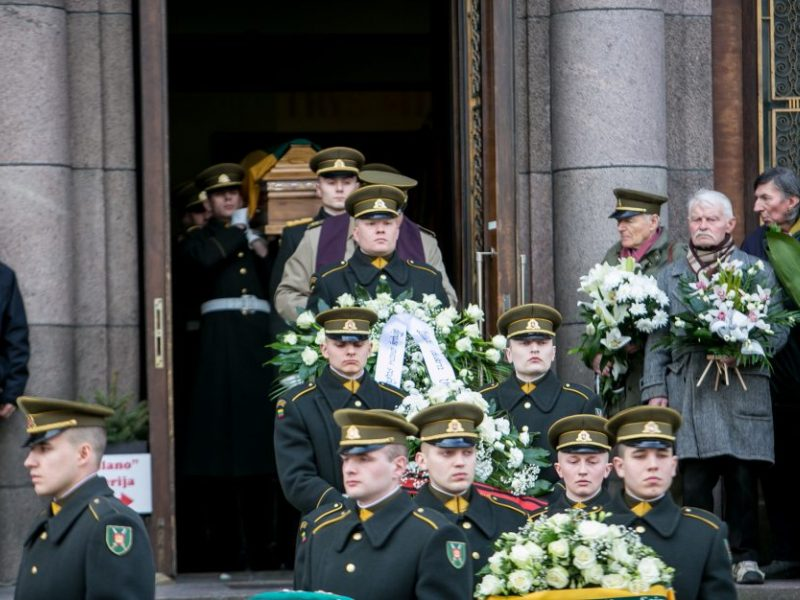 Į paskutinę kelionę išlydėtas partizanas V. Balsys-Uosis