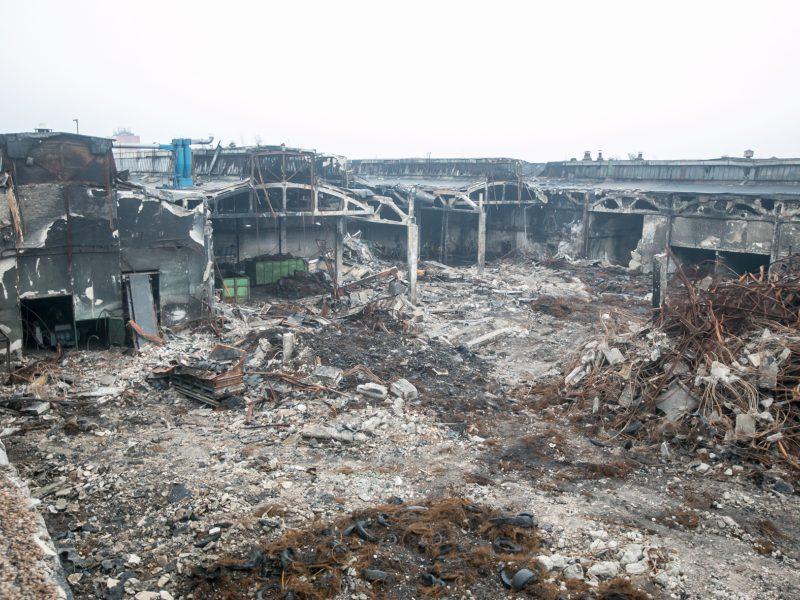 """Gaisro nuniokota """"Ekologistika"""" praėjus dviem mėnesiams po nelaimės"""