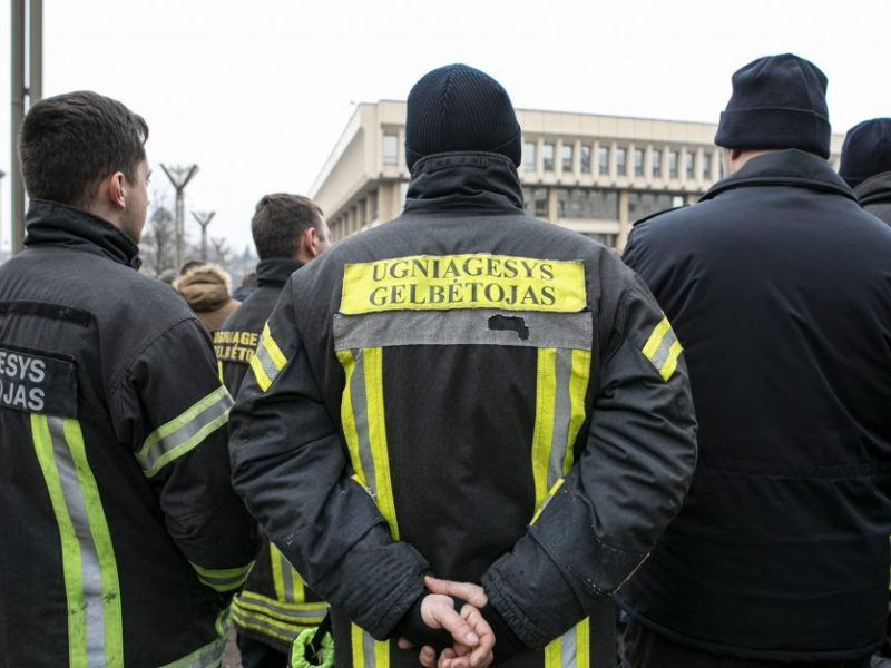 Aptars, kaip šiais metais didės ugniagesių atlyginimai