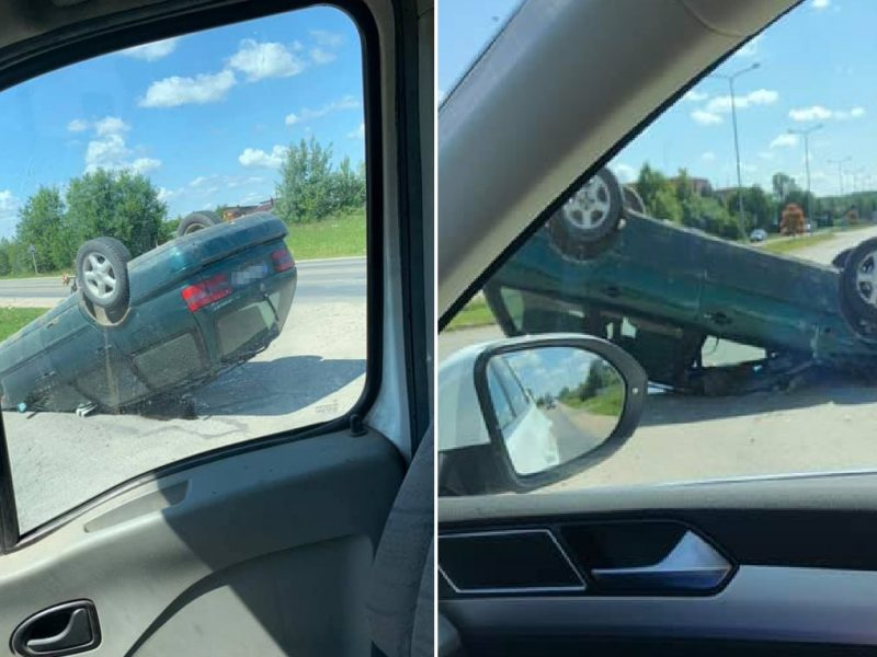 """Per avariją Mastaičiuose """"Volkswagen"""" apvirto ant stogo"""