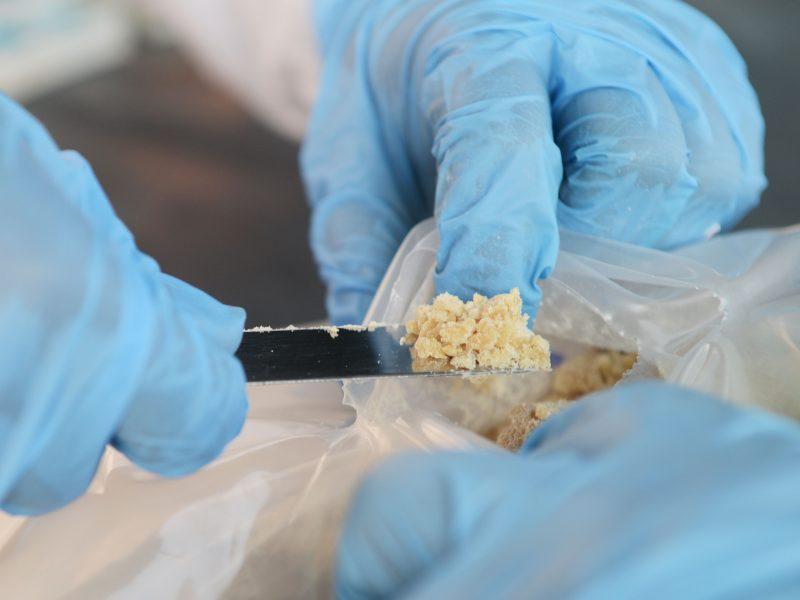 Oro uoste sulaikytas vyras, gabenęs 2,9 mln. dolerių vertės amfetamino