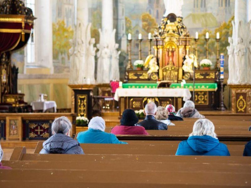 Teisininkai: Bažnyčia savarankiškai sprendžia dėl pamaldų, bet jų atnaujinimas abejotinas