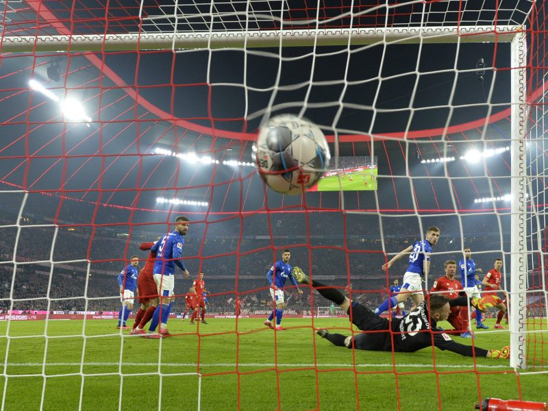 """Penkis įvarčius įmušęs """"Bayern"""" didina spaudimą: iš """"buliaus"""" persvaros liko nedaug"""