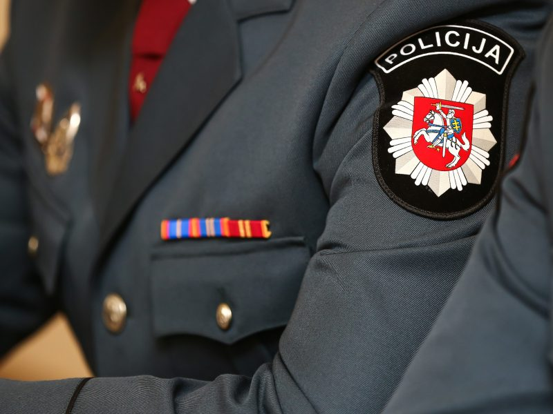 Tarnyba policijoje – yda, nuodėmė?