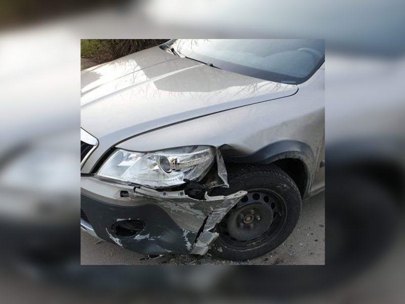 """Šilainiuose kažkas smarkiai apgadino jaunos kaunietės """"Škoda"""": ieškomi liudininkai"""