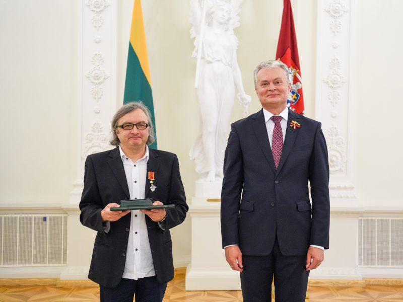 Šalies vadovai sveikina kino režisierių ir prodiuserį A. Matelį jubiliejaus proga