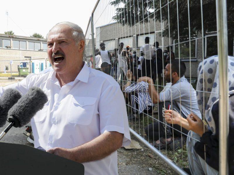 A. Lukašenkos režimo fantazija beribė: esą Lietuvoje vargšai pabėgėliai kankinami ir vejami atgal