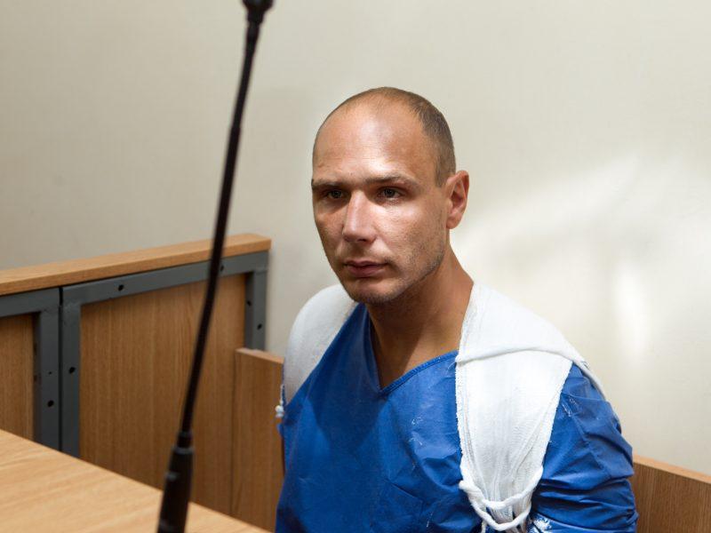 Įtariamasis nužudymu Romainiuose atvestas į teismą