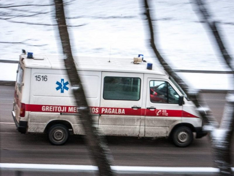 Vienas kartas nemelavo: piktybinė pažeidėja pėsčiųjų perėjoje sunkiai sužalojo paauglę ir pabėgo