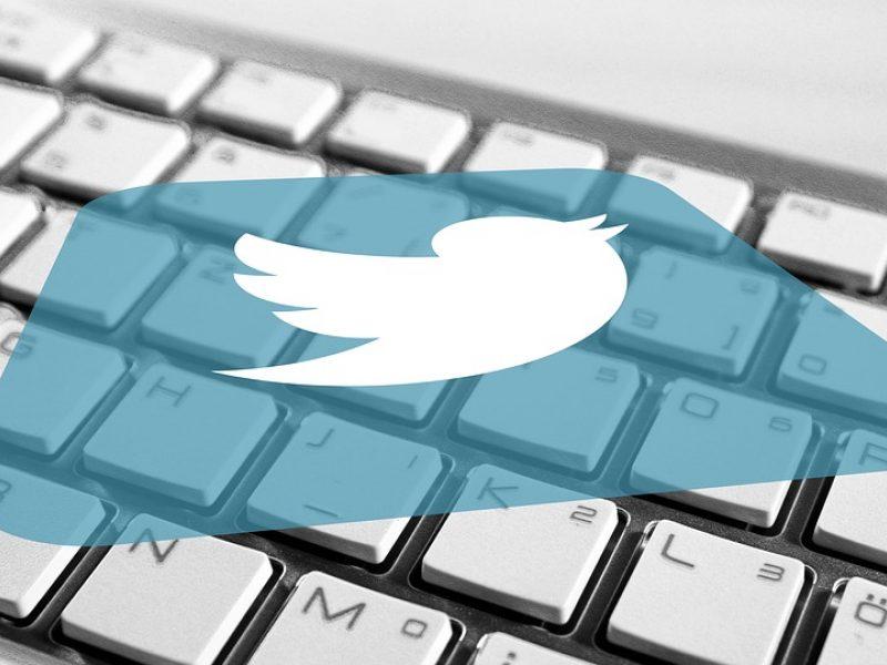 """JAV paaugliui pateikti kaltinimai dėl didelio masto įsilaužimo į """"Twitter"""""""