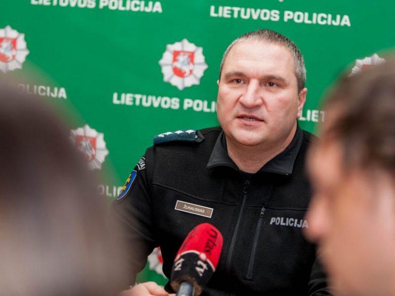 Nuo pareigų nušalintam Kauno policijos vadui pratęstos vaiko priežiūros atostogos