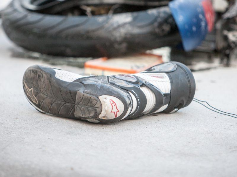 Šiauliuose sunkiai sužalotas motociklininkas