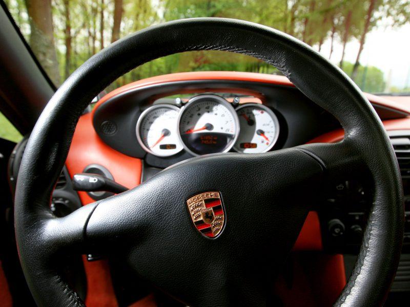 "Palangoje – dar dvi vagystės iš ""Porsche"" automobilių"