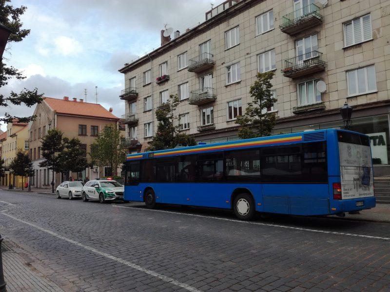 Autobuse Klaipėdoje nukrito ir susižalojo keleivis