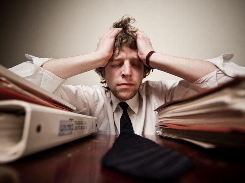 Kaip pasikeistų išmokų tvarka, jei nebūtų atsižvelgiama į darbo stažą?