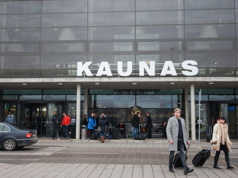 Vėl melagingai pranešta apie sprogmenis Kauno oro uoste