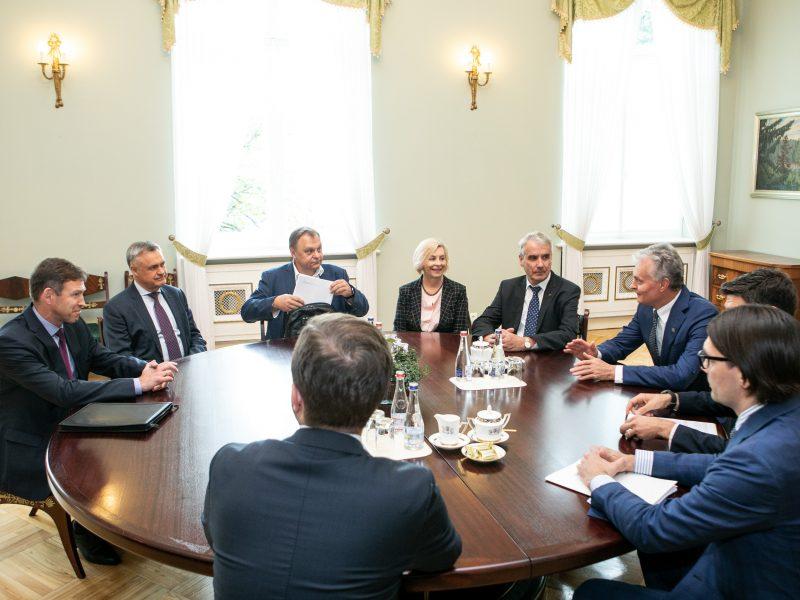 Prezidento susitikimas su verslo asociacijų ir profesinių sąjungų atstovais