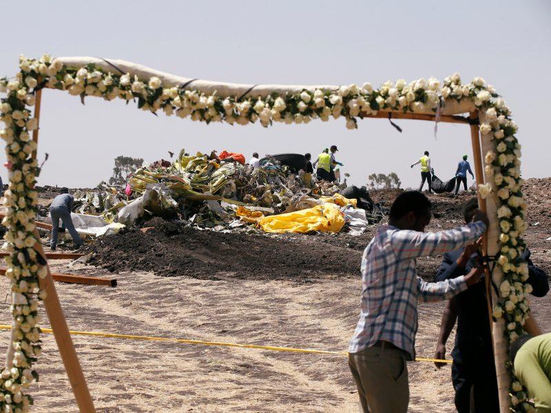 """Prancūzijos tyrėjams perduotos Etiopijoje sudužusio lėktuvo """"juodosios dėžės"""""""