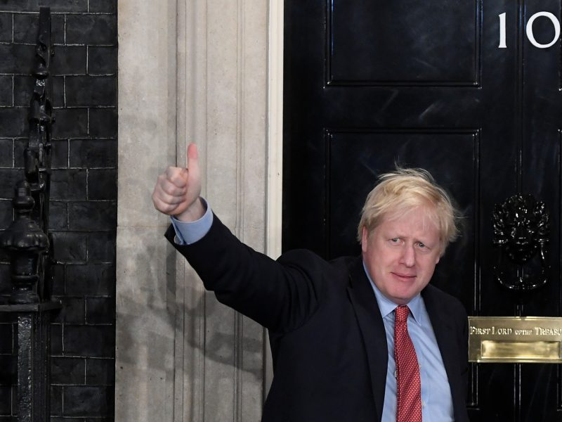 Istorinė B. Johnsono pergalė JK rinkimuose