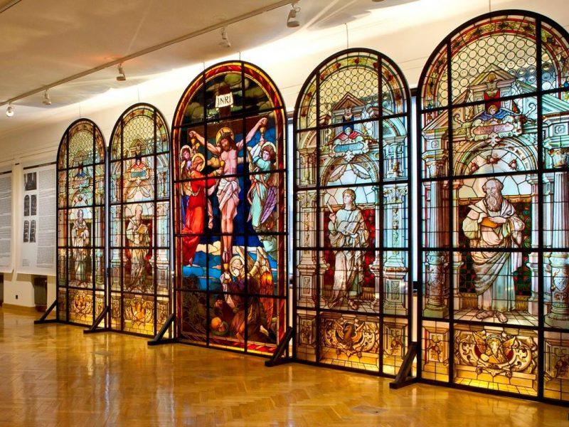 Kaune pristatomi restauruoti senieji vitražai